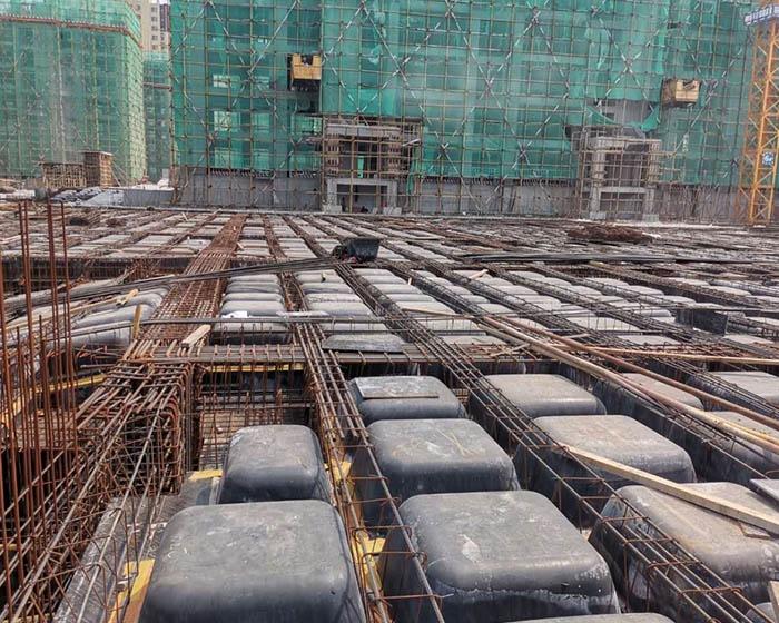 建筑模壳是用于钢筋混凝土现浇密肋楼板的一种工具式模板